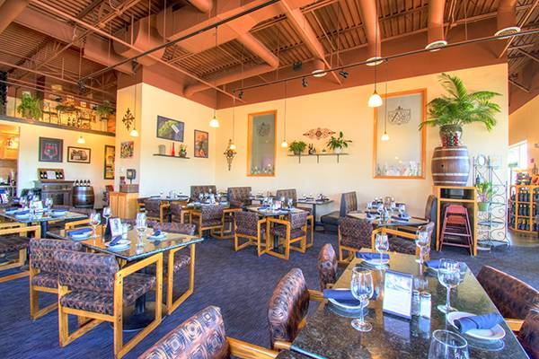 Farmington St. clair winery and bistro restaurant places to eat dining room